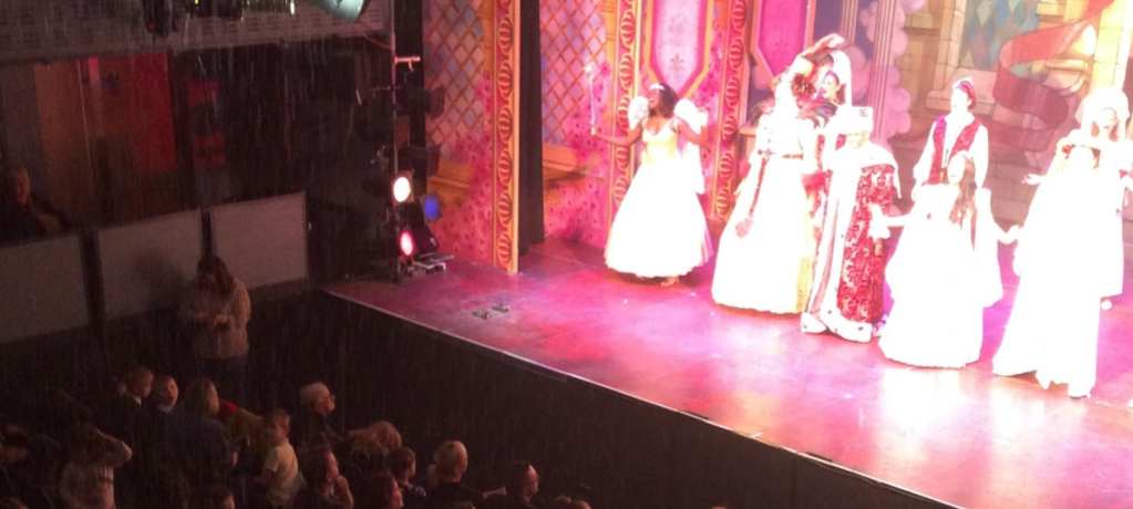 Pupils from KS1 visit the pantomime.
